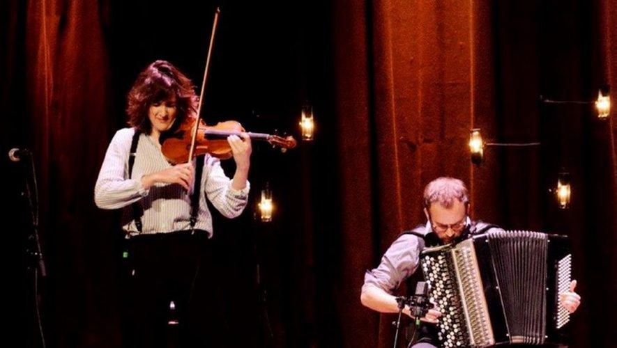 Festival Jazz en Albret : Fiona Mombet Duo mardi au château de Laroche - petitbleu.fr