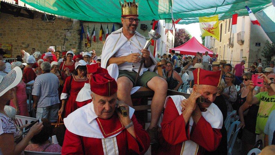 Le Belge Dominique Liégeois reste sur son trône de roi des menteurs à Moncrabeau - ladepeche.fr