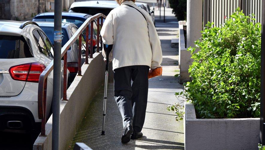 La ville d'Agen apporte aide et écoute aux seniors isolés - ladepeche.fr