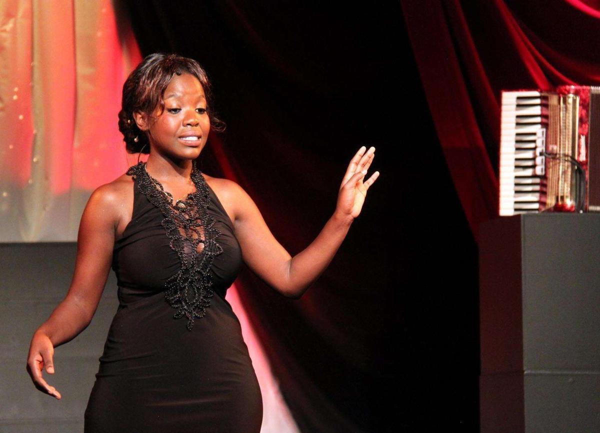 Médias : Stellia Koumba candidate de The Voice sur TF1