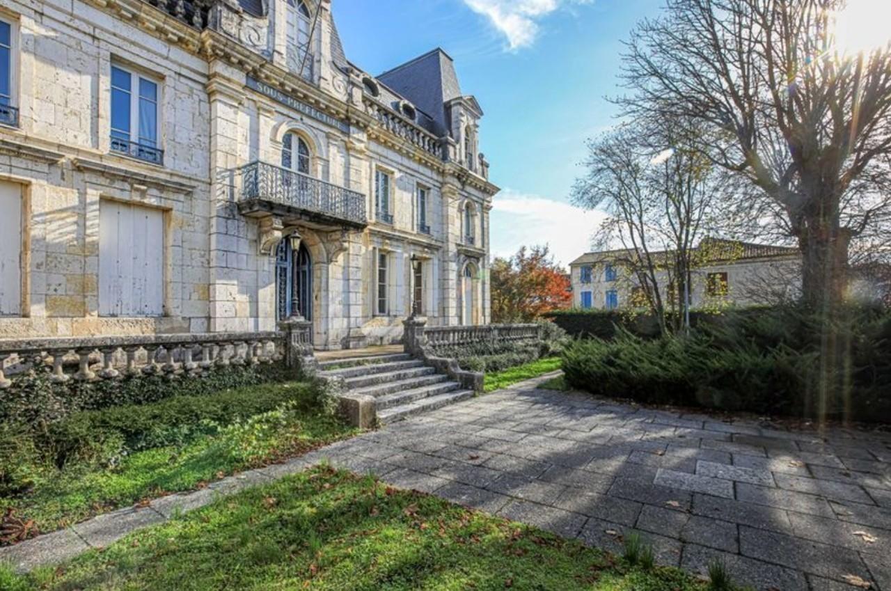 Lot-et-Garonne. L'ancienne sous-préfecture de Nérac vendue à 440 000 euros !